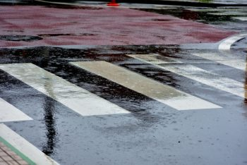 雨の日のポスティングはクレームになりやすい